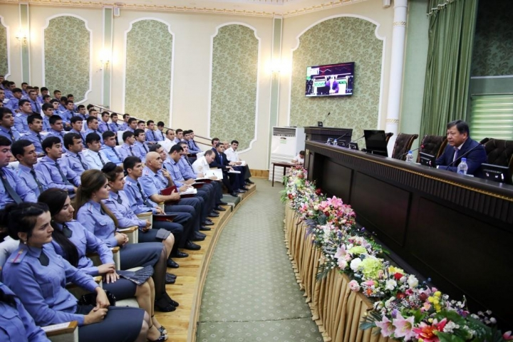 Meeting of the Minister of the Interior with graduates of the Academy of the Ministry of Internal Affairs of the Republic of Tajikistan